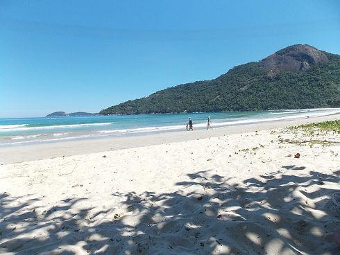 dois-Rios-Ilha-Grande.jpg