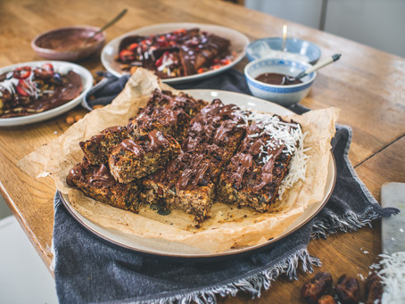 Easy Muesli Bar with Chocolate Drizzle