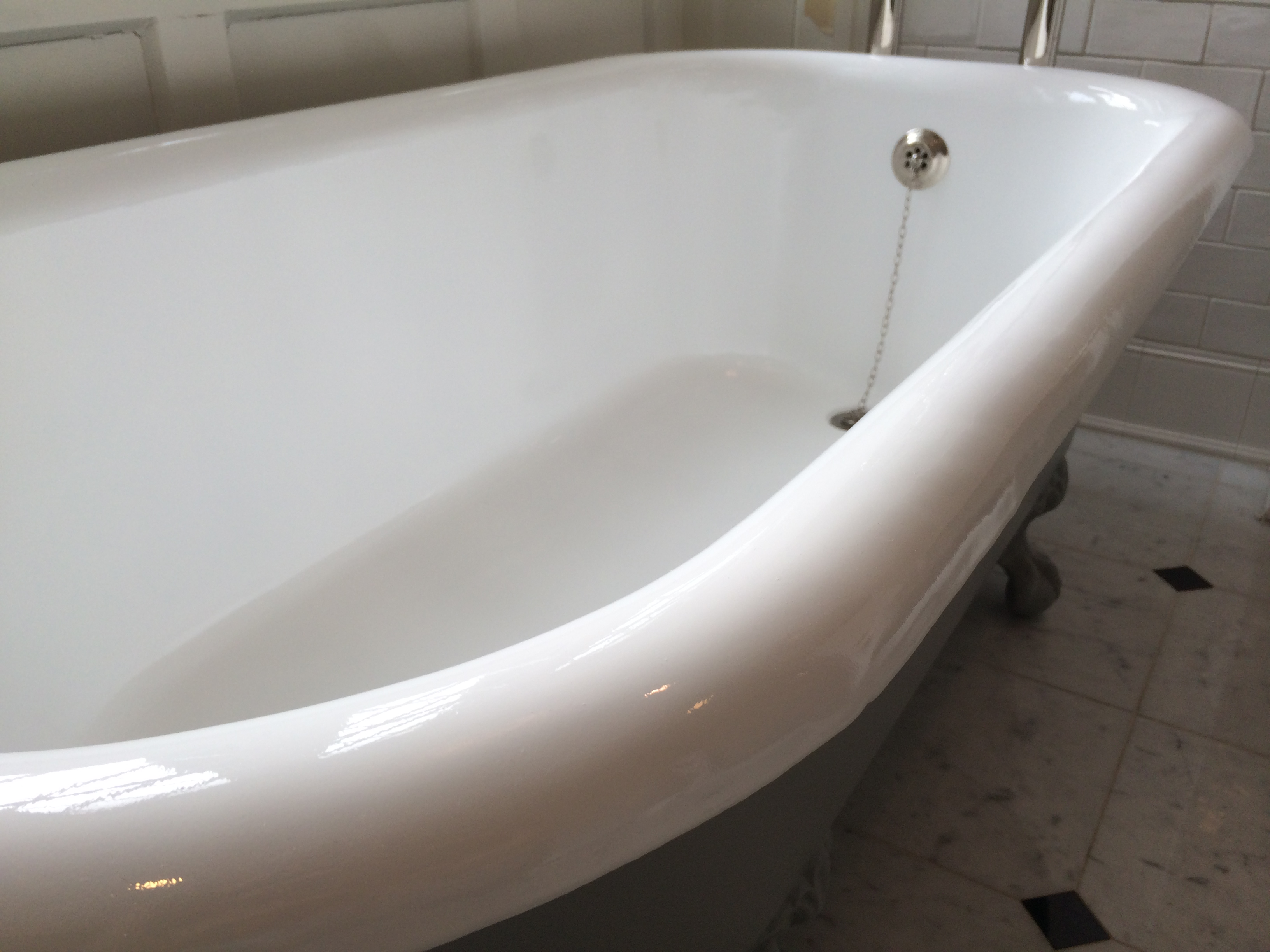 claw foot tub reglazing