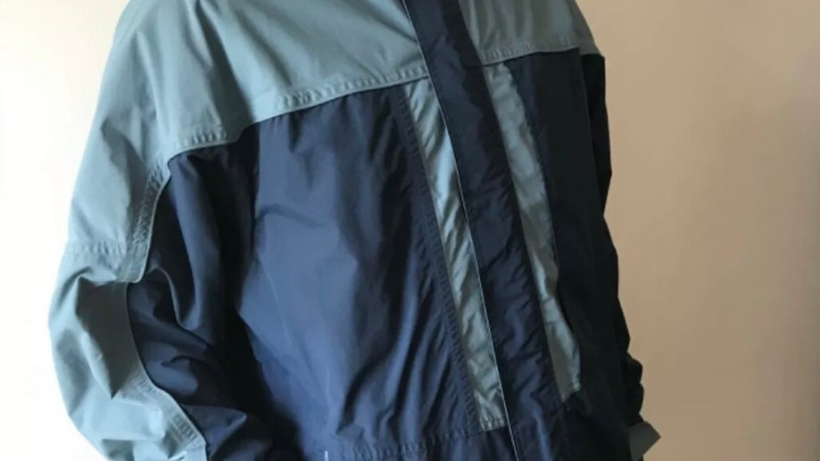 Men' Mountain  Warehouse blue jacket size extra large good condition
