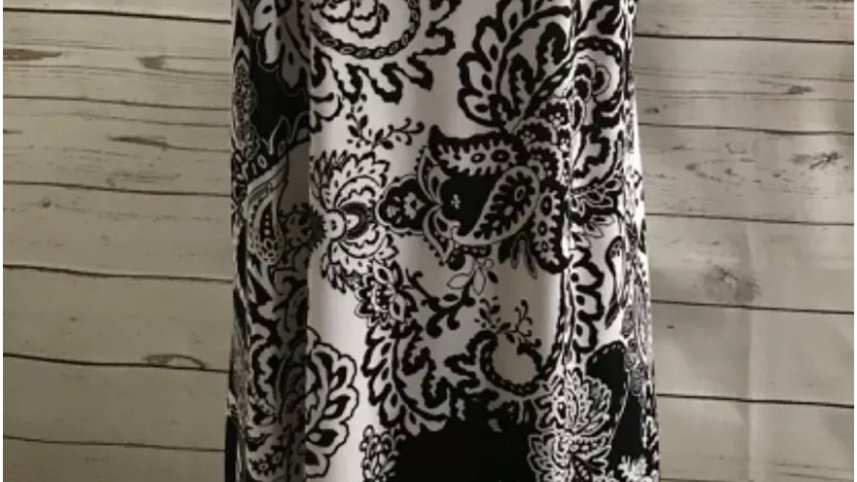 Women's / ladies black and white poison patterned top size 24/26 New