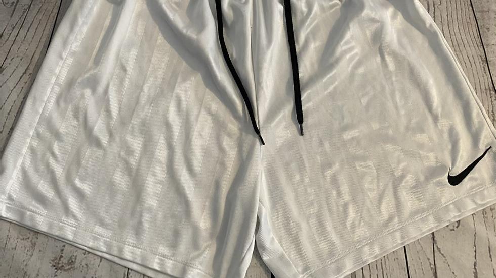 Mens White Nike Dri Fit Shorts Size Medium Excellent Condition