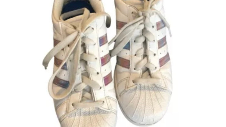 Women's / Girls  Adidas Superstar Trainers Excellent Condition Size 4