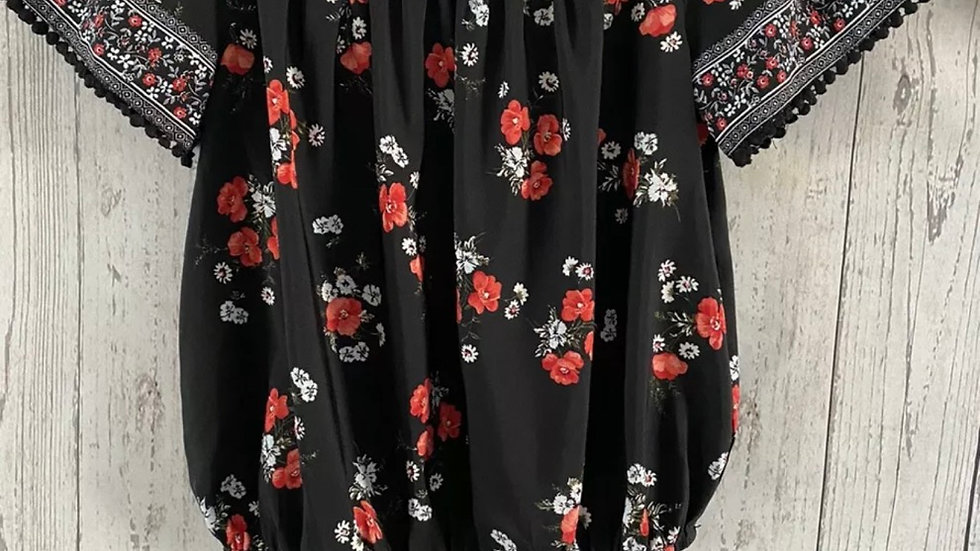 Girls New Look Black Red Floral Cropoed Blouse Top Age 14 Immaculate