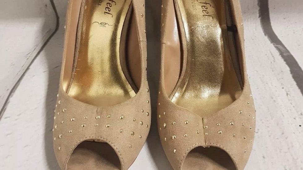 Women's New Look Brown Stud Peep Toe High Heels Size 7