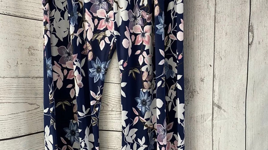 Womens / Ladies Urban Navy floral Flow Trousers Size s/m 10-12 New With Tags