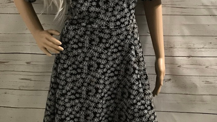 Womens / Ladies Capsule Black & White Floral Dress Size 18 Immaculate