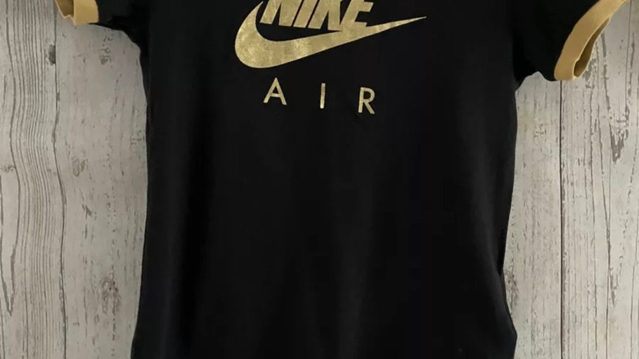 Girl Nike Black & Gold T-Shirt Size 128-137cm Approx 8-9 Years