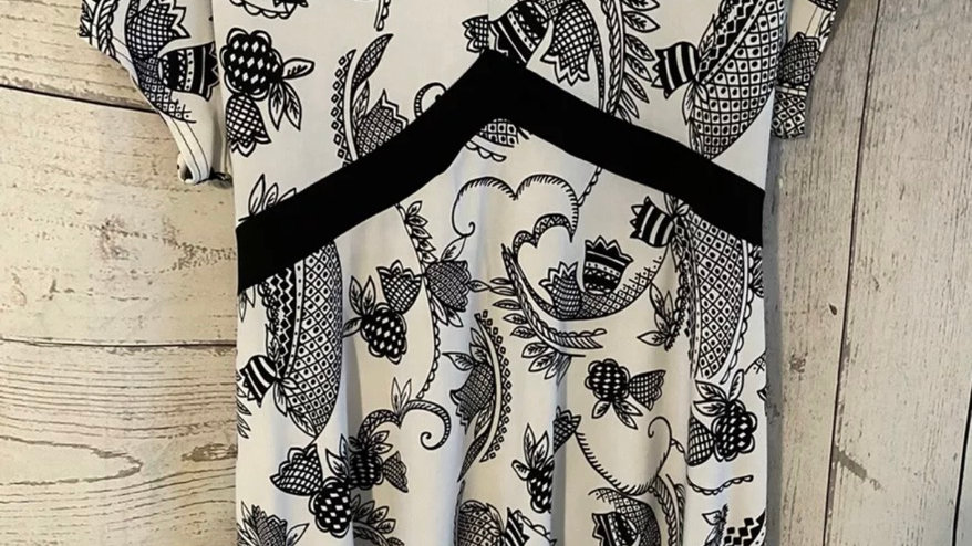 Womens / Ladies Saloos Black & White Top With Tie Size XL Immaculate