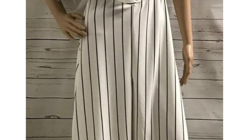 Womens / Ladies Pretty Little Thing White Black Pinstripe Dress Size 10 NEW