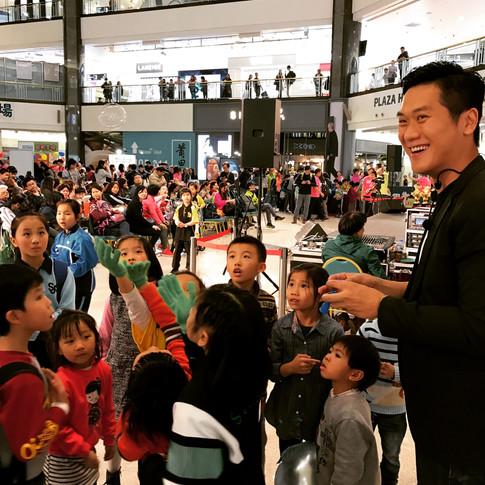 香港魔術師 MagicCarson 大型商場表演