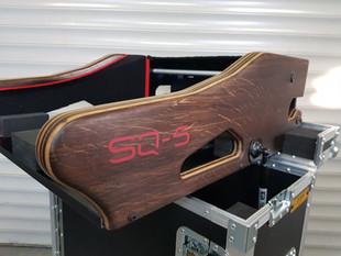 SQ5 zijkant afwerking in donker hout.jpg