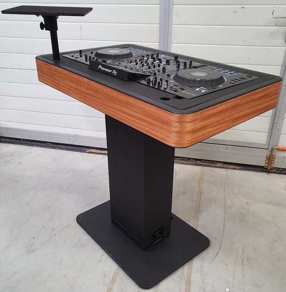 DJ booth hout voor (+ optionele laptopstandaard)