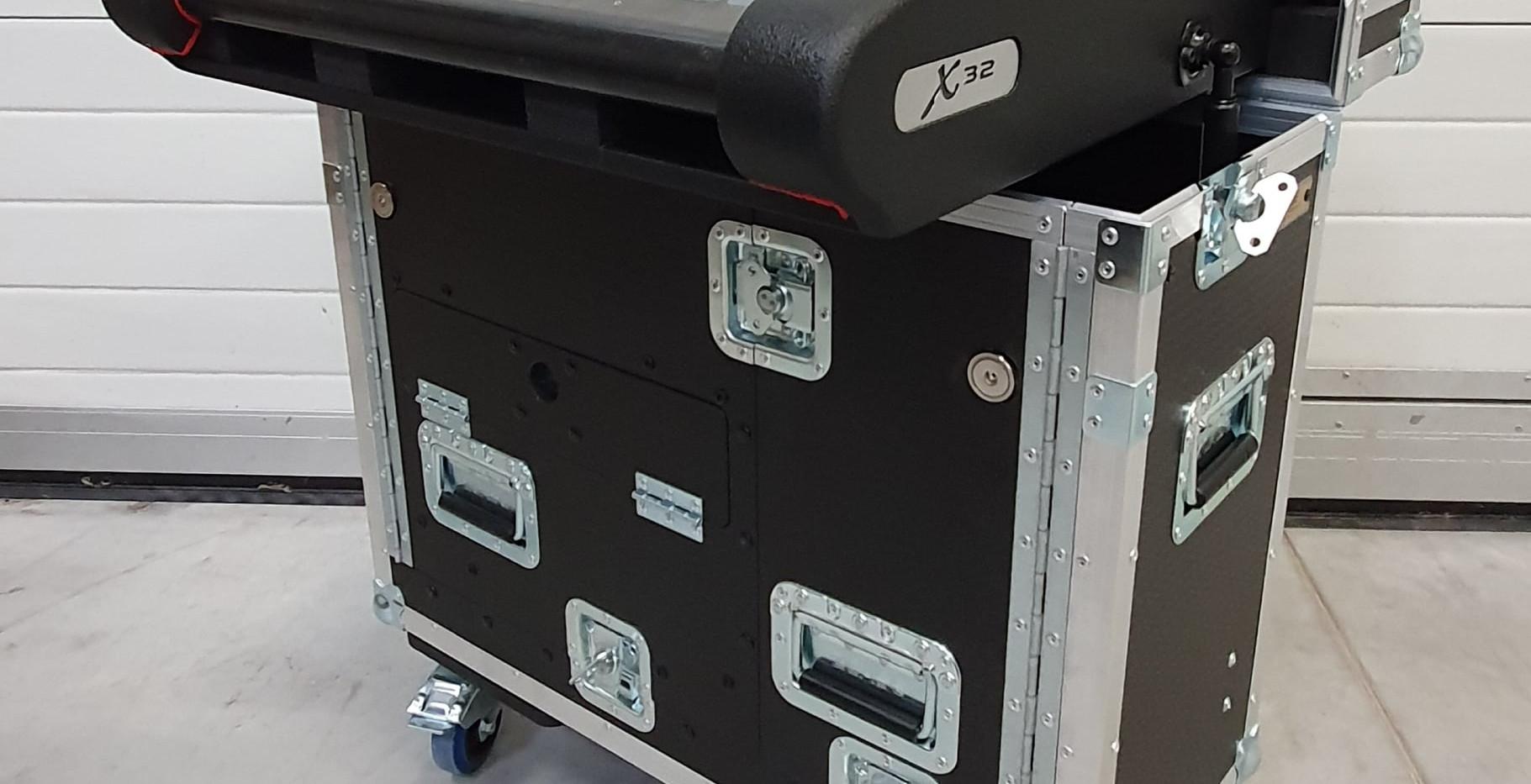 X32 Compact1.jpg