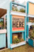 American Spirit Festivalmodul, Messebau, Festival, Festivalproduktion, Festivalstand, Festivalmodul, Holzbau, Tischlerei, Messestand, Hamburg, Container, Containerbau, Containermodul, Containerbar, Containerumbau, Containerhotel, Nomade & könig, Foodtruck, Bartruck, Busumbau, Gestaltung, Design, Produktion, Blackdata, Blackdata Construction, Verkaufsstand, Bar, Tresen