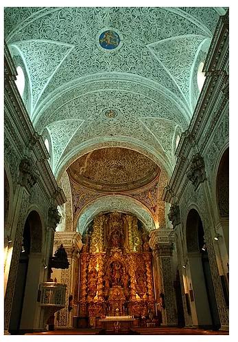 Interior de la Iglesia de San Miguel. Villarreal de Huerva