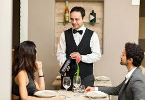 sommelier-a-table.jpg