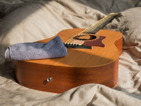 How to Keep Your Acoustic Guitar in Good Condition?