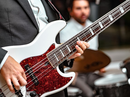 7 Reasons Why You Should Learn A Bass Guitar
