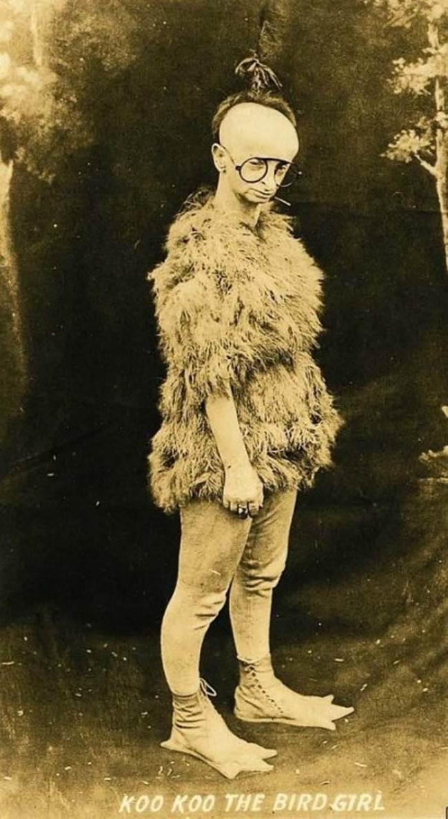 Minnie Woolsey as Koo Koo the Bird Girl (Wikimedia Commons)