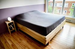 Cadre de lit et tables de chevet