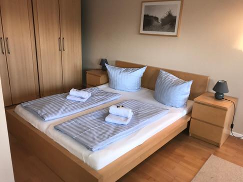 Doppelbett (1,80 x 2,00m)