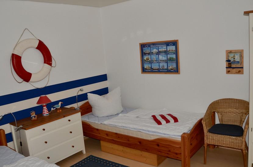 Kinderzimmer mit 2 Einzelbetten ( 0,90 x 2,00 m)