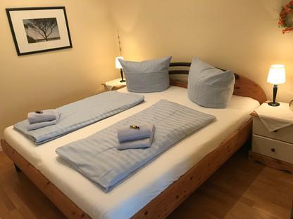Doppelbett (1,80 x 2,00 m)