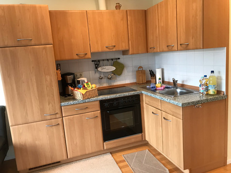 Offene Küche, komplett eingerichtet