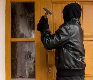 burglary-48572937_edited.jpg