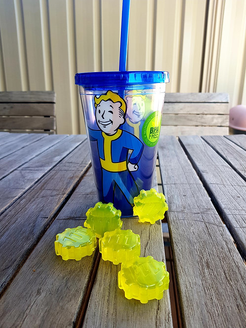 Fallout Carnival Cup - with moulded ice cubes
