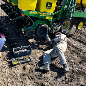 Dr. Vyn doing planter repairs