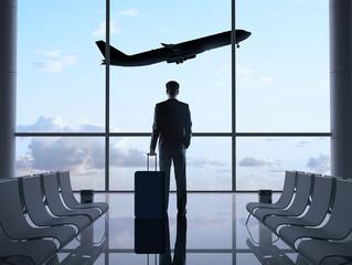 Entenda as diferenças entre as tarifas de passagens aéreas