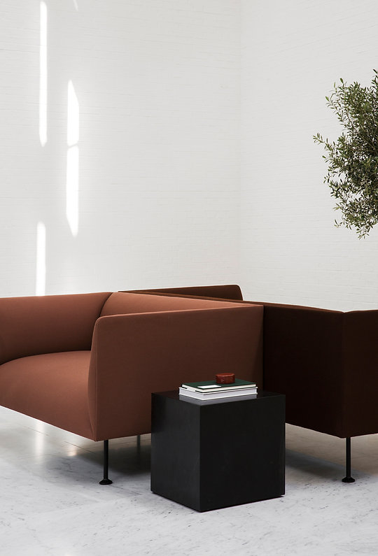 MENU_Godot-Sofa_Plinth.jpg