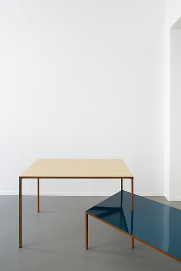 TABLE + LOW TABLE