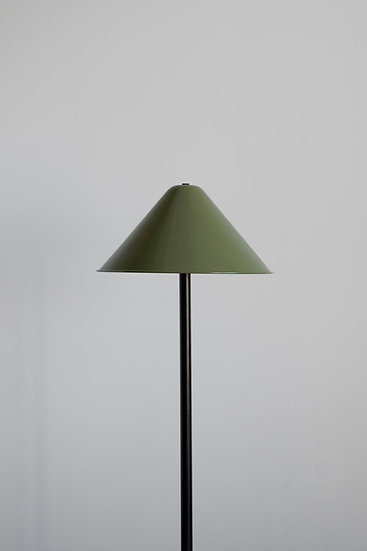 TIPI FLOOR LAMP