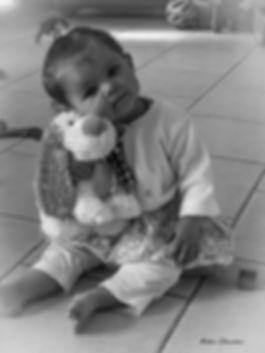 tendresse bébé noir et blanc