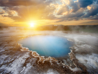 A Complete Guide to the Midnight Sun in Iceland