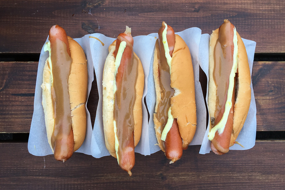 Icelandic hot dogs are the best Iceland food