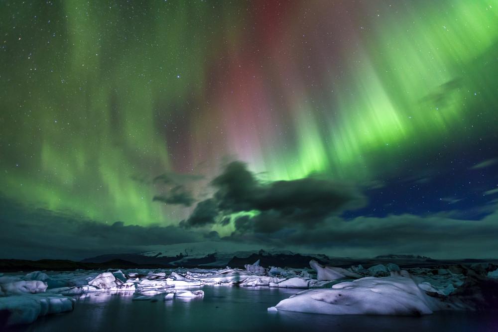 Jökulsárlón glacier lagoon is perfect for a DIY campervan Northern Lights hunt