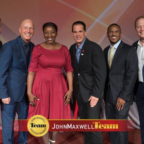 Dr. Hopelyn with John Maxwell at Intl. Maxwell Faculty