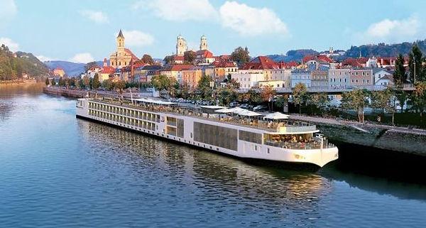River cruise 2.jpg