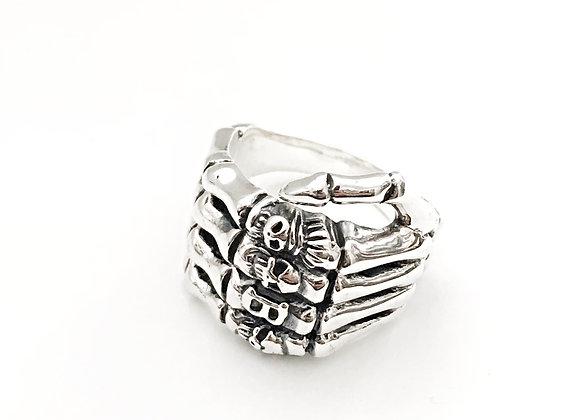 Skull Fingers Ring