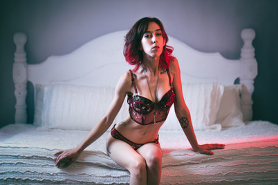Melissa Boudoir - Daryll Morgan Studios