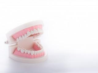 10月8日は「入れ歯の日」