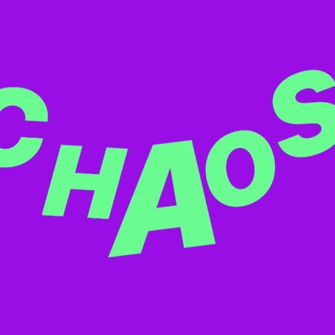 Comment créer mon propre chaos m' aide à faire face au chaos général.