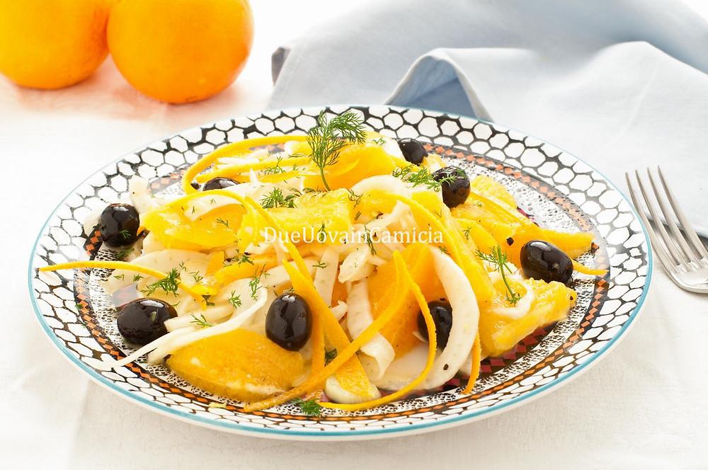 Insalata siciliana con arancia, finocchi e olive