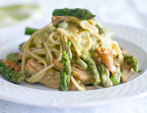 Spaghetti ai carciofi e asparagi