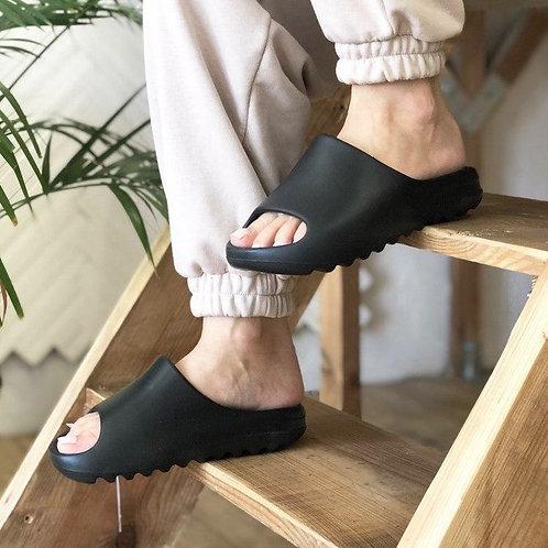Adidas yeezy slide черные
