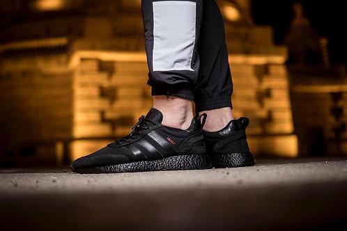 Adidas iniki черные